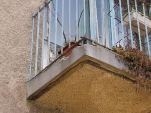 55_mestni-trg_balkoni_02