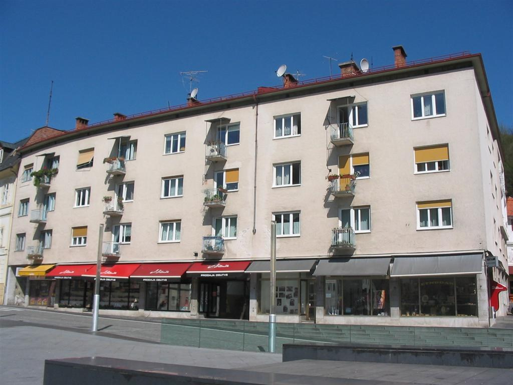 55_mestni-trg_balkoni_06