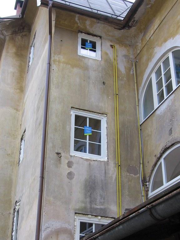 55_mestni-trg_okna_03